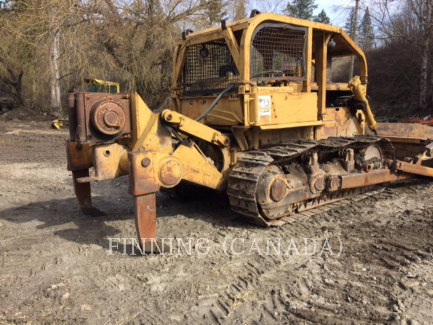 Detail photo of 1972 Caterpillar D7F from Construction Equipment Guide