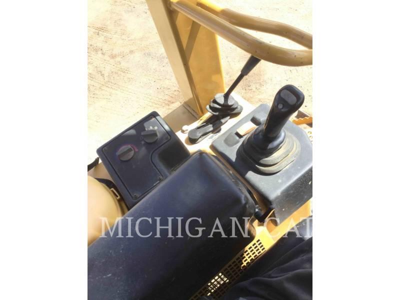 CATERPILLAR CIĄGNIKI GĄSIENICOWE D3GX equipment  photo 7