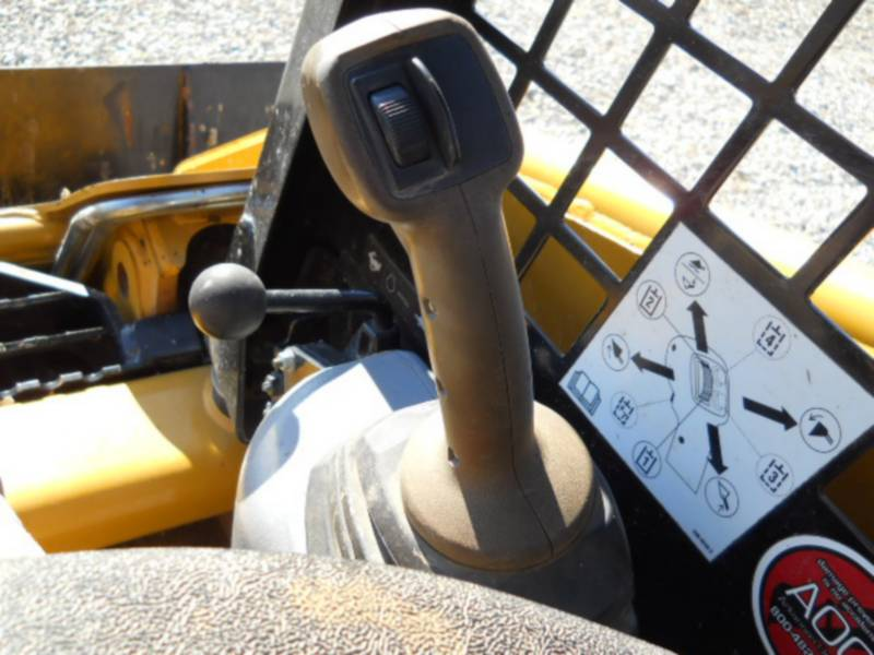 CATERPILLAR CHARGEURS COMPACTS RIGIDES 226B3 equipment  photo 20