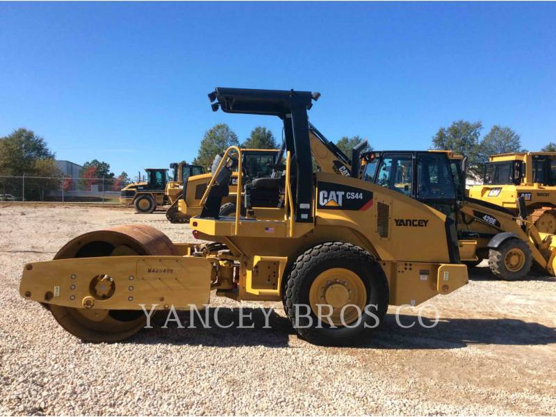 CATERPILLAR COMPACTEURS CS44 equipment  photo 2