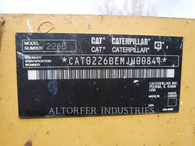 CATERPILLAR KOMPAKTLADER 226B MA7 equipment  photo 5