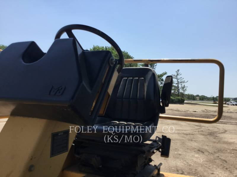 CATERPILLAR COMPACTORS CB534C equipment  photo 5