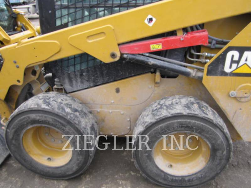 CATERPILLAR SKID STEER LOADERS 236DR equipment  photo 4