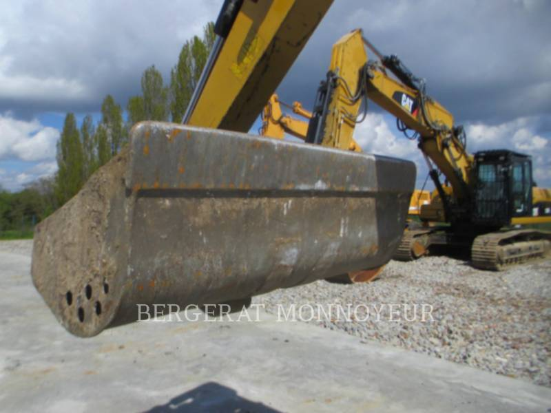 CATERPILLAR TRACK EXCAVATORS 305E CR equipment  photo 15