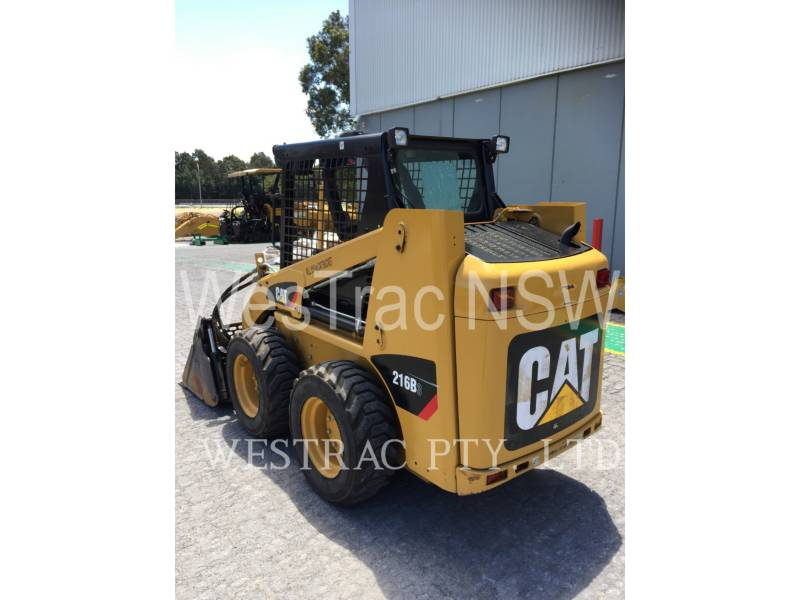 CATERPILLAR CHARGEURS COMPACTS RIGIDES 216B3LRC equipment  photo 4
