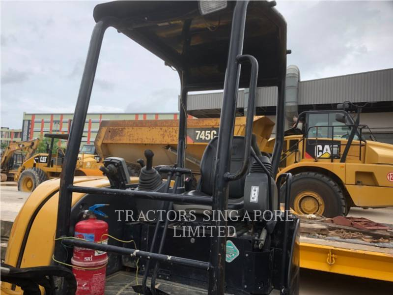 CATERPILLAR TRACK EXCAVATORS 303.5ECR equipment  photo 15