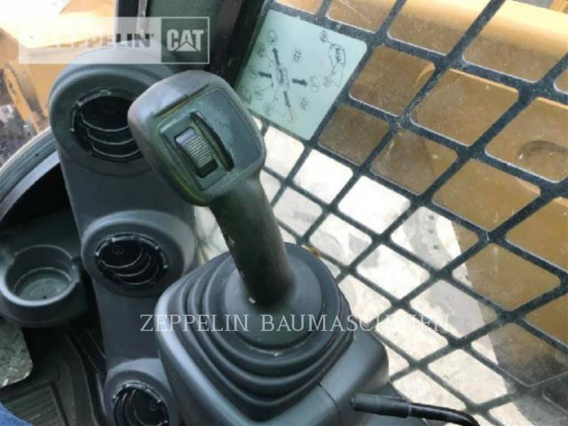 CATERPILLAR KOMPAKTLADER 246D equipment  photo 16