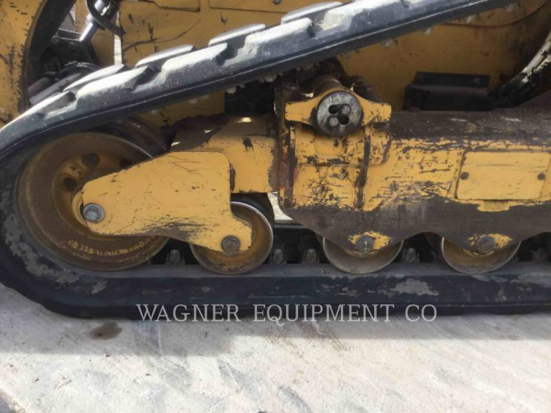 CATERPILLAR CHARGEURS TOUT TERRAIN 299D equipment  photo 9