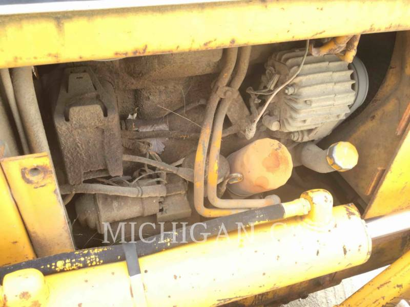 JOHN DEERE TRACK TYPE TRACTORS 350B equipment  photo 21