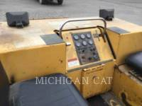 HYPAC VIBRATORY DOUBLE DRUM ASPHALT C330B equipment  photo 10