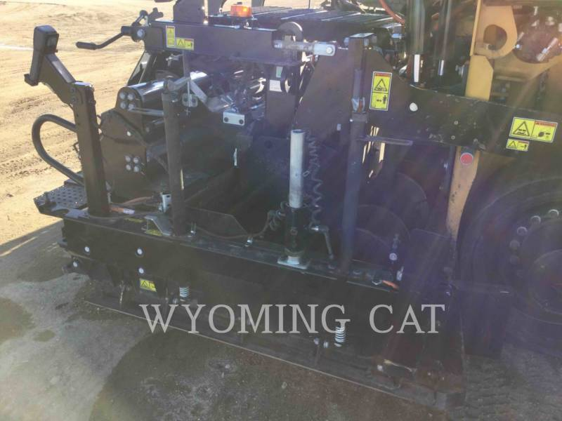 CATERPILLAR ASPHALT PAVERS AP1055F equipment  photo 17