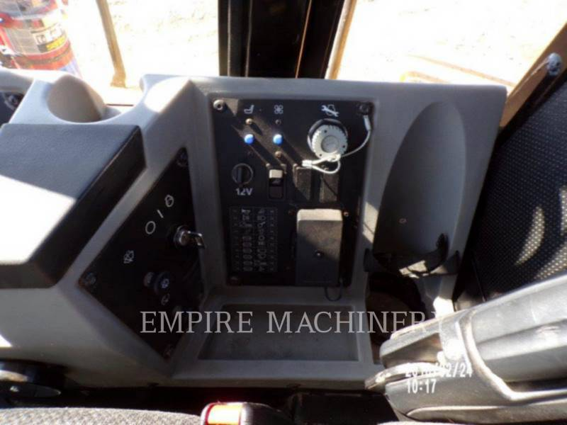 CATERPILLAR コンパクタ 815FII equipment  photo 10