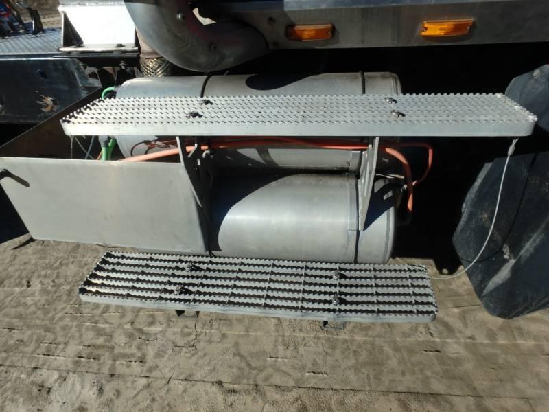 CATERPILLAR ON HIGHWAY TRUCKS CT660L equipment  photo 17