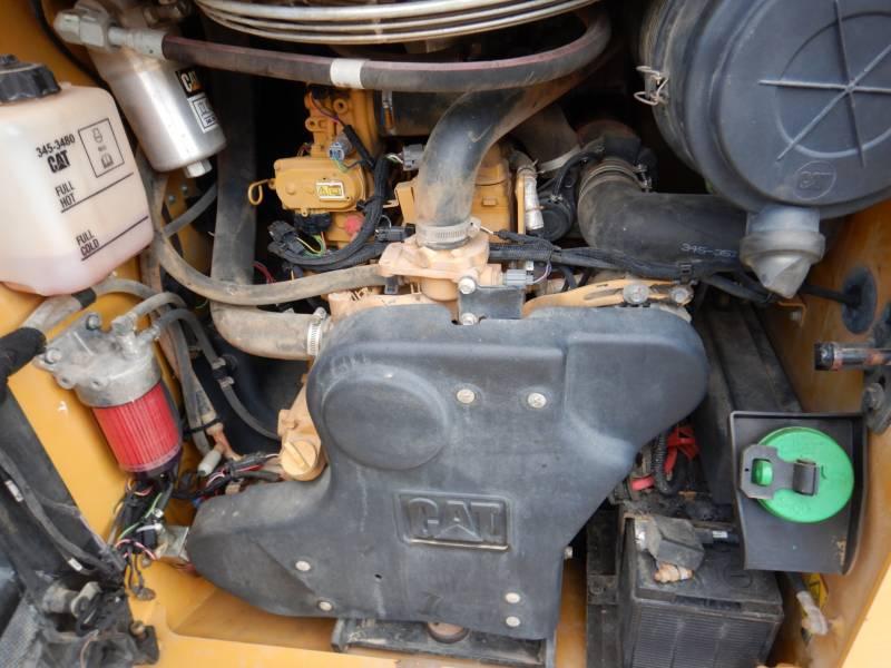 CATERPILLAR CHARGEURS TOUT TERRAIN 299D equipment  photo 17