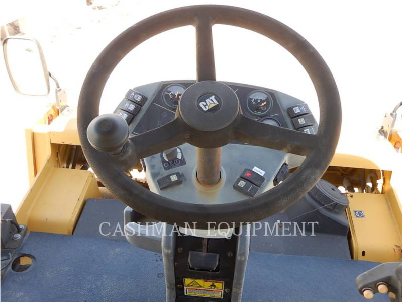 CATERPILLAR ASPHALT DISTRIBUTORS CB-434D equipment  photo 8