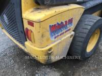 NEW HOLLAND LTD. CHARGEURS COMPACTS RIGIDES L225 equipment  photo 12