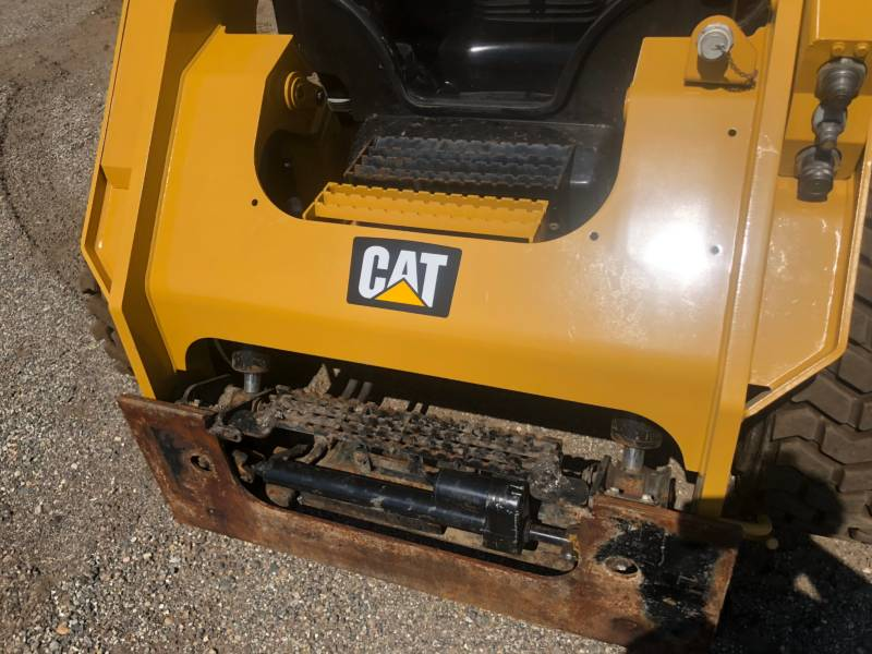 CATERPILLAR PALE COMPATTE SKID STEER 262D equipment  photo 14
