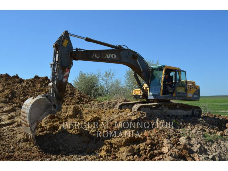 VOLVO TRACK EXCAVATORS EC240BNL equipment  photo 1