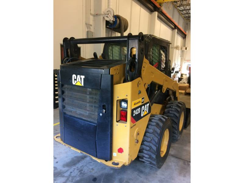 CATERPILLAR SKID STEER LOADERS 242DLRC equipment  photo 4