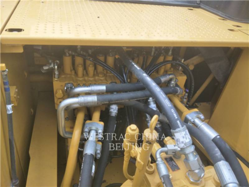 CATERPILLAR ESCAVATORI CINGOLATI 336D2 equipment  photo 6