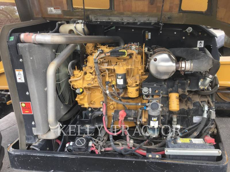 CATERPILLAR MANIPULADORES TELESCÓPICOS TL642C equipment  photo 6