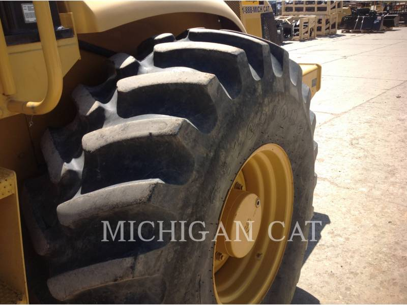 CATERPILLAR VIBRATORY SINGLE DRUM SMOOTH CP563E equipment  photo 16