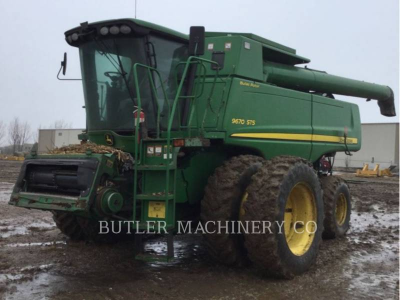 DEERE & CO. COMBINES 9670 STS equipment  photo 1