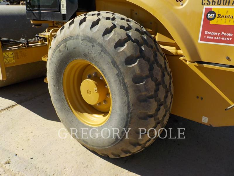 CATERPILLAR COMPACTADORES DE SUELOS CS66B equipment  photo 17