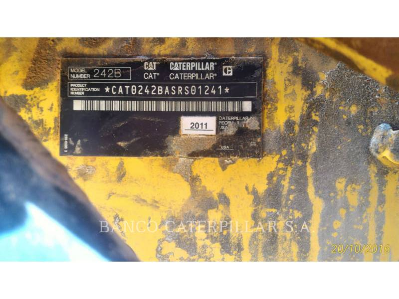 CATERPILLAR CHARGEURS COMPACTS RIGIDES 242B3 equipment  photo 7