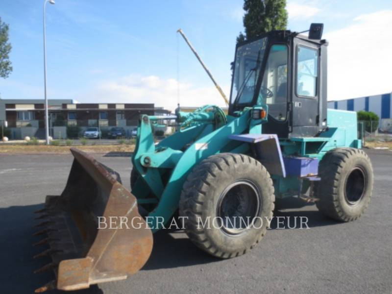 KOMATSU ÎNCĂRCĂTOARE PE ROŢI/PORTSCULE INTEGRATE WA120 equipment  photo 1