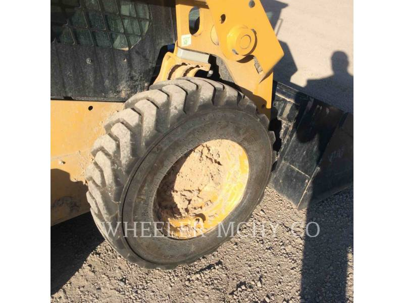 CATERPILLAR SKID STEER LOADERS 226D C3 equipment  photo 12