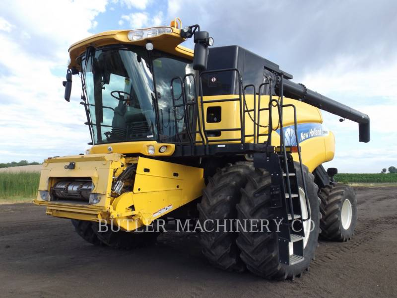 NEW HOLLAND COMBINADOS CR9080 equipment  photo 1
