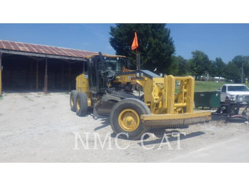 CATERPILLAR NIVELEUSES 770G equipment  photo 4