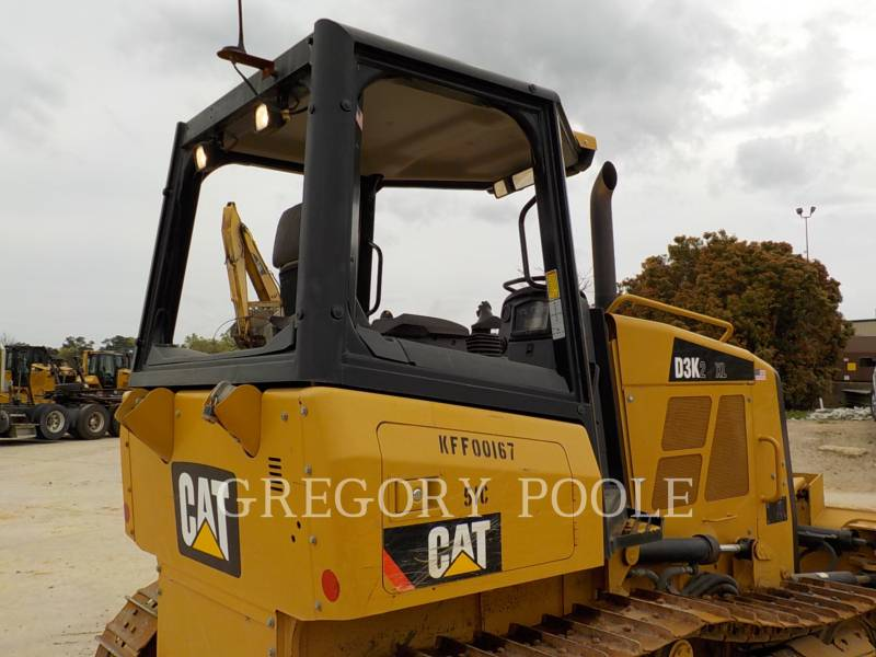 CATERPILLAR TRACK TYPE TRACTORS D3K2 XL equipment  photo 12