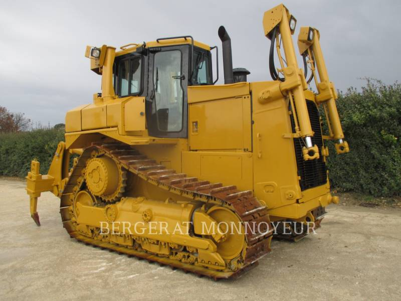 CATERPILLAR TRACK TYPE TRACTORS D7RII equipment  photo 1