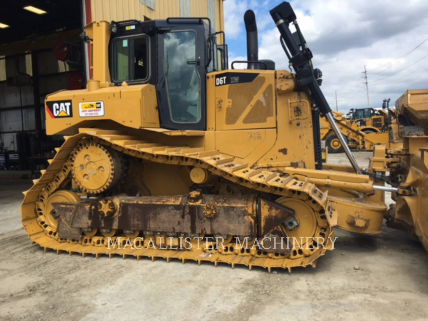 Detail photo of 2012 Caterpillar D6T from Construction Equipment Guide