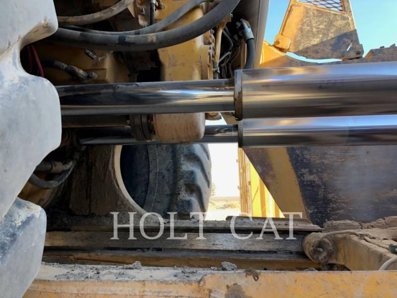 CATERPILLAR WHEEL TRACTOR SCRAPERS 657E equipment  photo 9