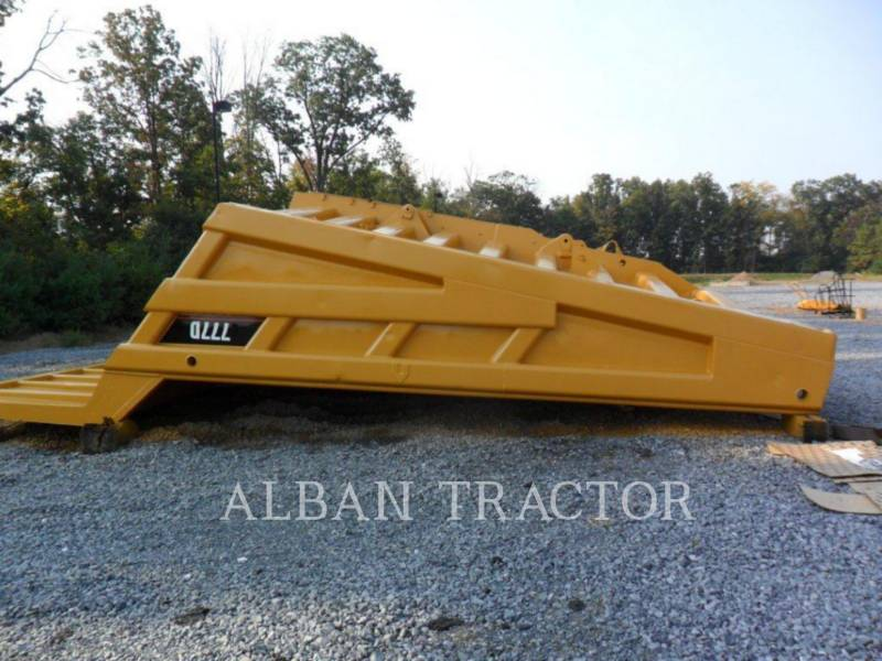 CATERPILLAR MULDENKIPPER 777D equipment  photo 13