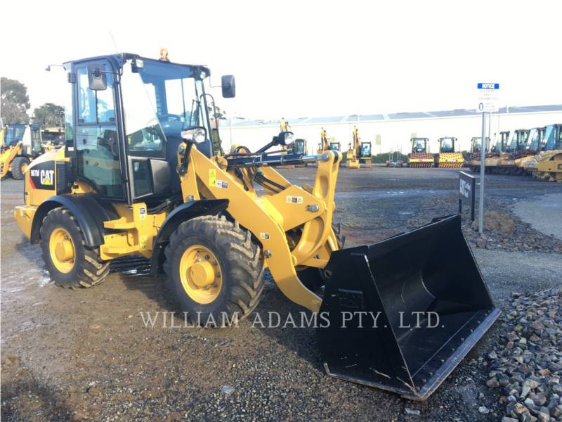 CATERPILLAR WHEEL LOADERS/INTEGRATED TOOLCARRIERS 907 equipment  photo 2