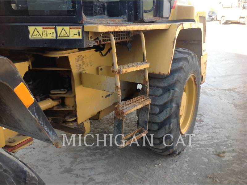 CATERPILLAR CARGADORES DE RUEDAS IT14G2 A equipment  photo 14