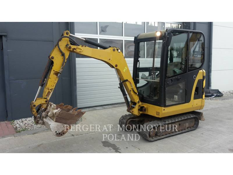 CATERPILLAR TRACK EXCAVATORS 301.6C equipment  photo 10