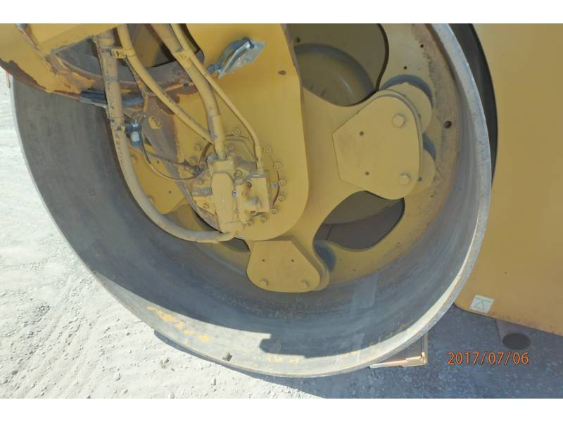 CATERPILLAR TANDEMVIBRATIONSWALZE, ASPHALT CB64 equipment  photo 11