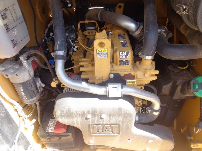 CATERPILLAR SKID STEER LOADERS 246 D equipment  photo 9