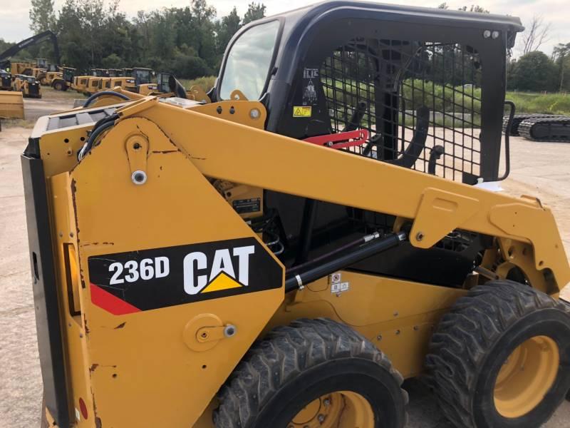CATERPILLAR MINICARREGADEIRAS 236 D equipment  photo 4
