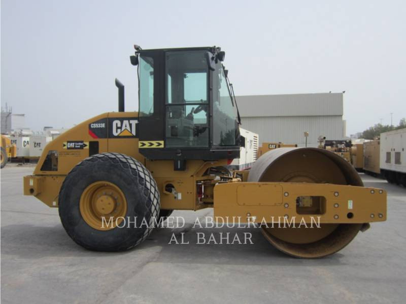 CATERPILLAR TRILLENDE ENKELE TROMMEL GLAD CS-533E equipment  photo 6