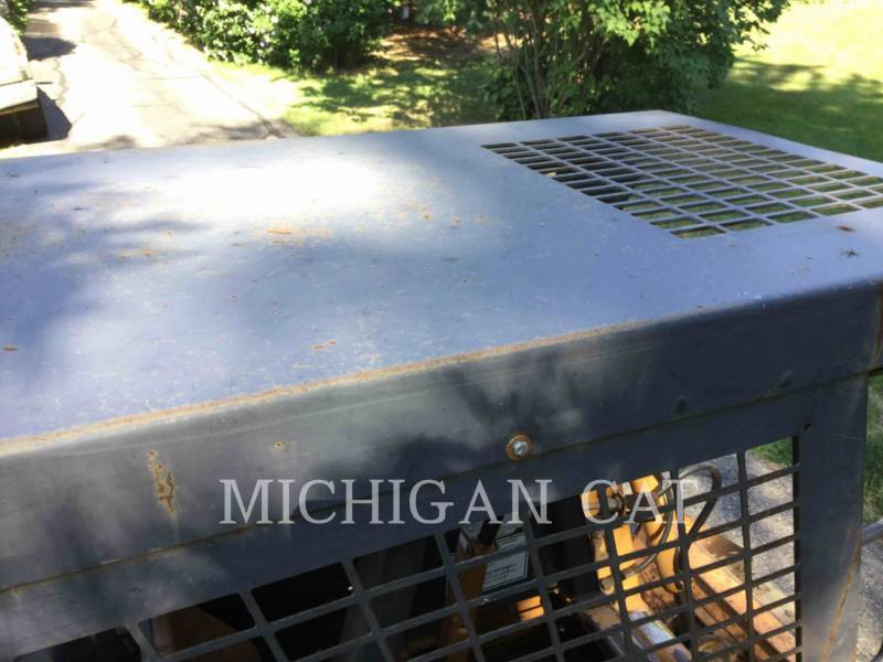 CASE SKID STEER LOADERS 1845C equipment  photo 17