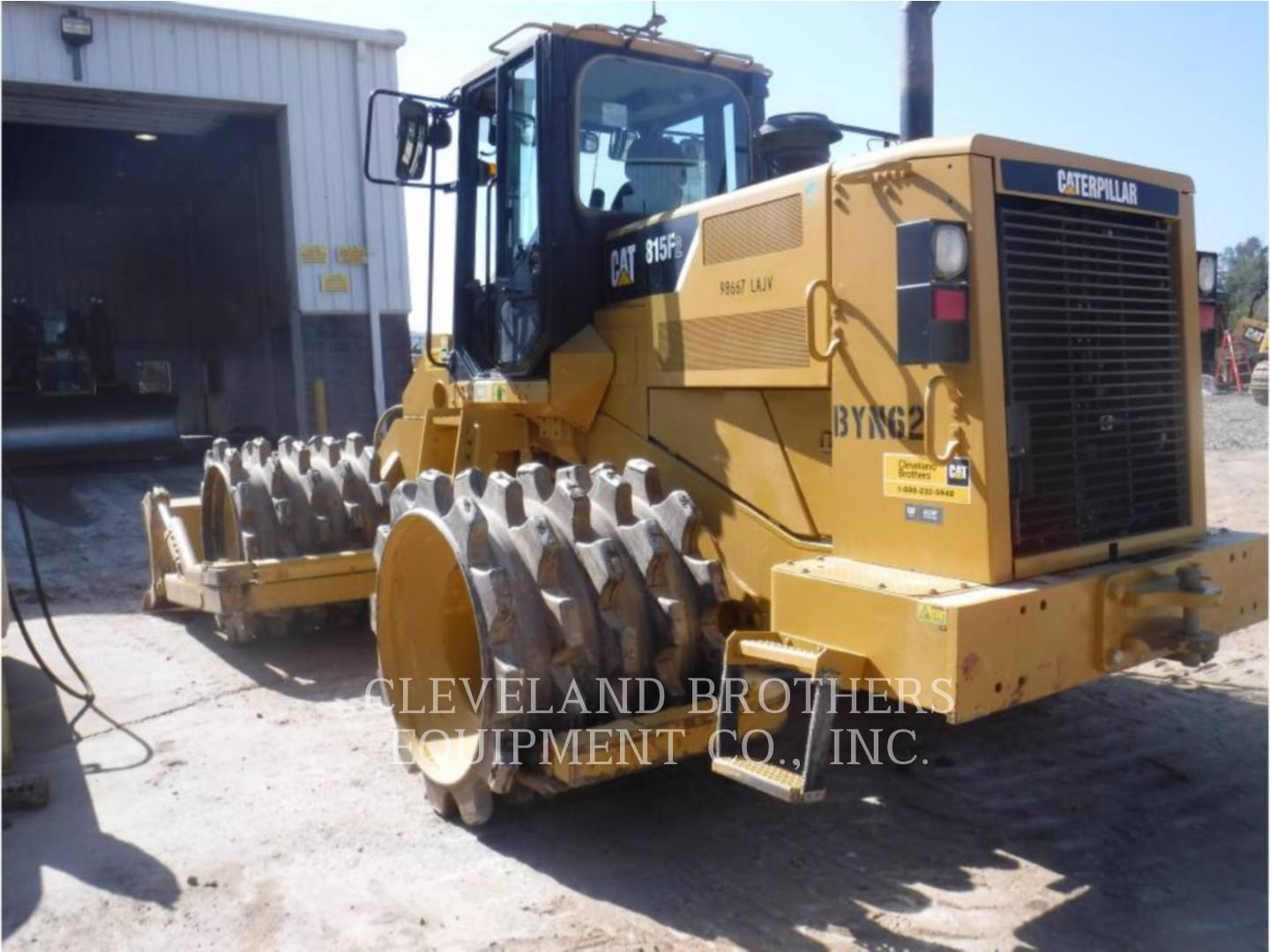 Detail photo of 2011 Caterpillar 815FII from Construction Equipment Guide