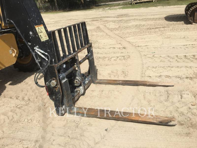 Caterpillar STIVUITOR TELESCOPIC TL943C equipment  photo 8
