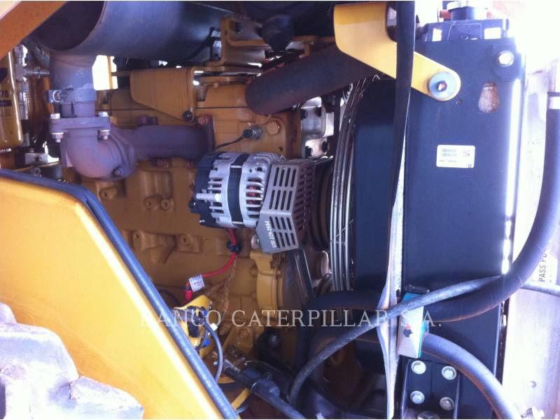 CATERPILLAR VIBRATORY SINGLE DRUM SMOOTH CS-423E equipment  photo 16