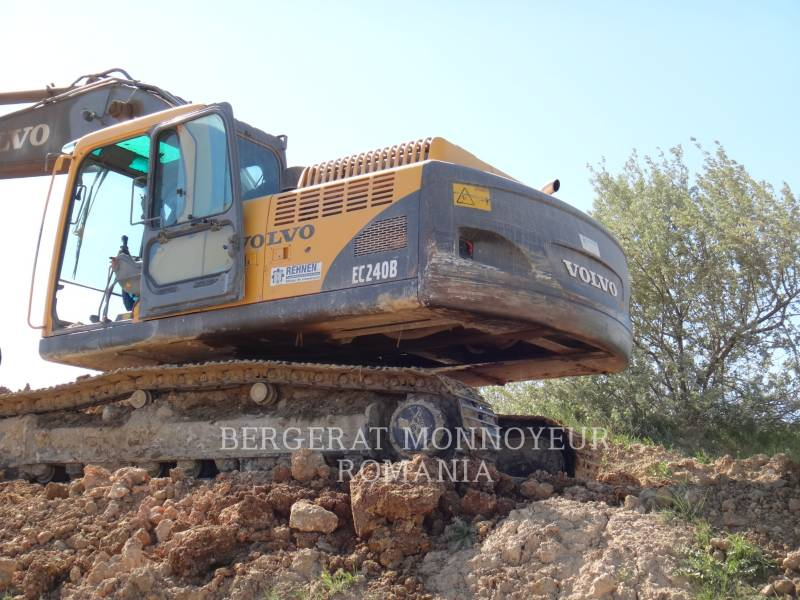 VOLVO TRACK EXCAVATORS EC240BNL equipment  photo 5